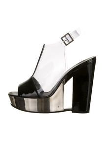 8578db0136d6c4fe8bb90c57dd2f8993--chanel-shoes-wedges Chaussure CHANEL : Chanel Wedges