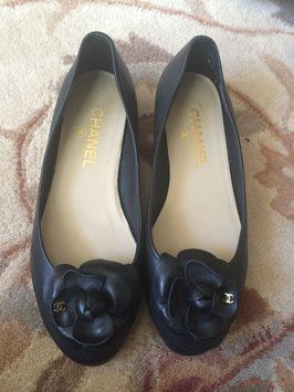 6782b53831c26a8fb636cce3a48b495d--chanel-shoes-chanel-black Chaussure CHANEL    Chanel Black Camellia 982f545a7a9