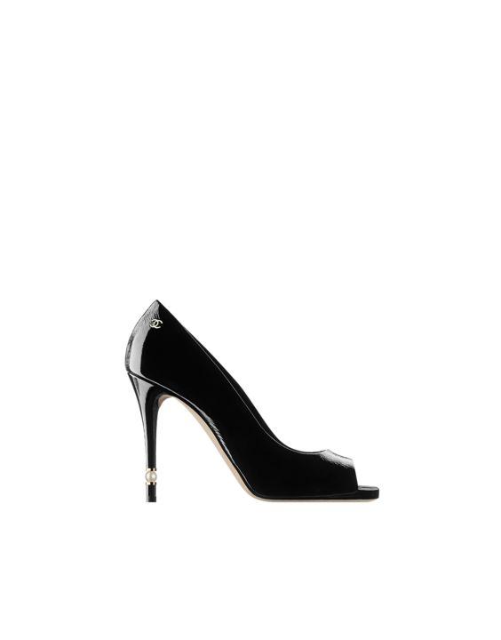 Chaussure CHANEL   Les derniers défilés de mode, collections de prêt-à- porter et d accessoires et Haute Cout … 265bae86d62