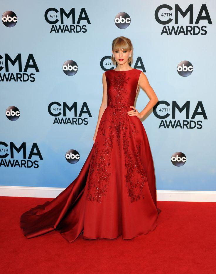 282d347df39ba2b81f476ef443856bdd--stunning-dresses-elegant-dresses Elie Saab - Collection Tapis Rouge  : Taylor Swift dans ELIE SAAB Haute Couture Automne Hiver 2013-14 à la 47e édition annuelle ...
