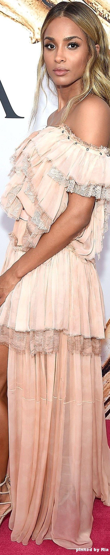 2aec793d3e5f87758a4e91f63a0de4e0--cute-gift-ideas-material-girls Collection Roberto Cavalli et Just Cavali  : Ciara à Roberto Cavalli l CFDA 2016 Fashion Awards l Ria
