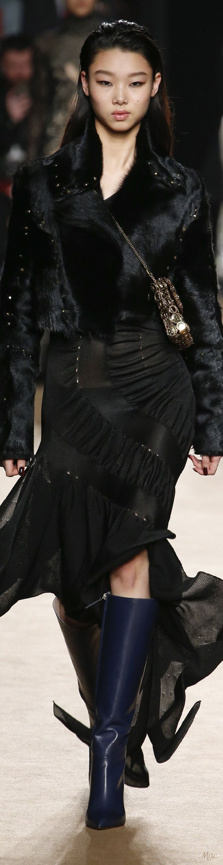 a053a29a0f715709f2e5353b8e3b46d9 Roberto Cavalli Couture  : Automne 2018 Roberto Cavalli, RTW