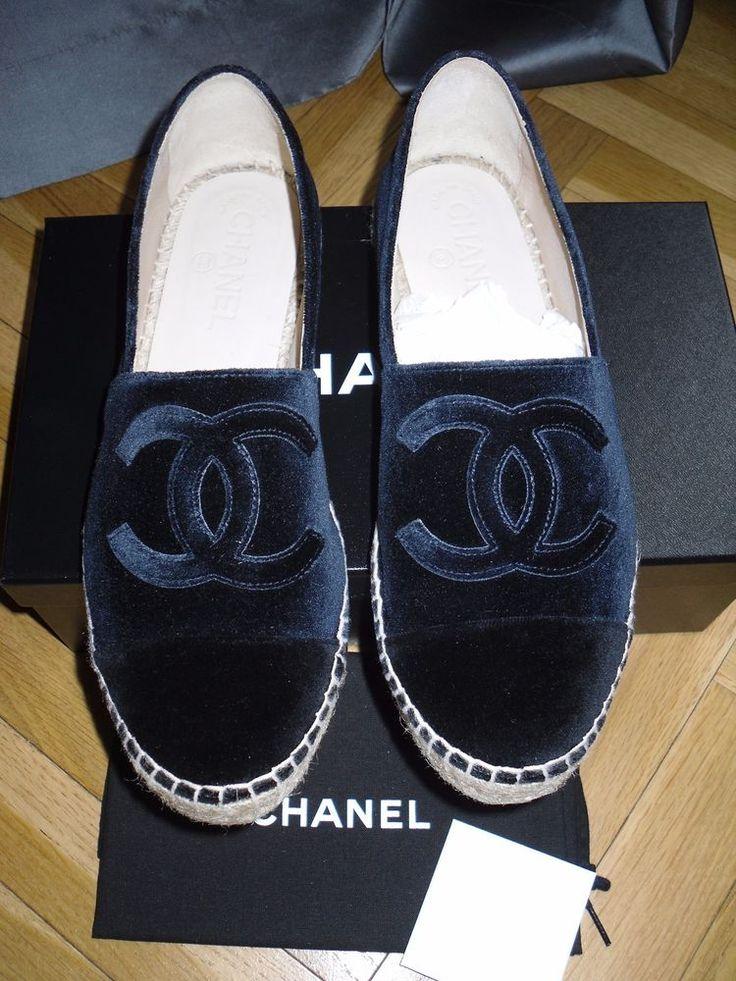 da0dc11d1786 Chaussure CHANEL   CHANEL ESPADRILLES – VELOURS BLEU FONCE ET NOIR – NEUVES  – T38