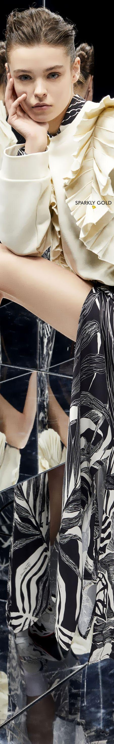 34e92eac8c4339b633738b7a15c9331b Collection Roberto Cavalli et Just Cavali  : Just Cavalli Automne 2019 RTW | Or brillant: