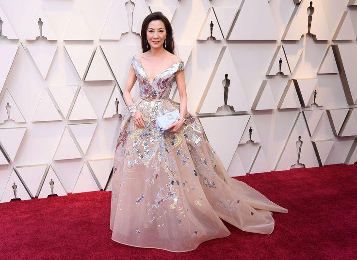 81ced2c6386bdf79607e4a8e62a5aeb9 Elie Saab - Collection Tapis Rouge  : L'actrice Michelle Yeoh dans ELIE SAAB Haute Couture Printemps Eté 2019 à la 91ème cérémonie des Oscars.