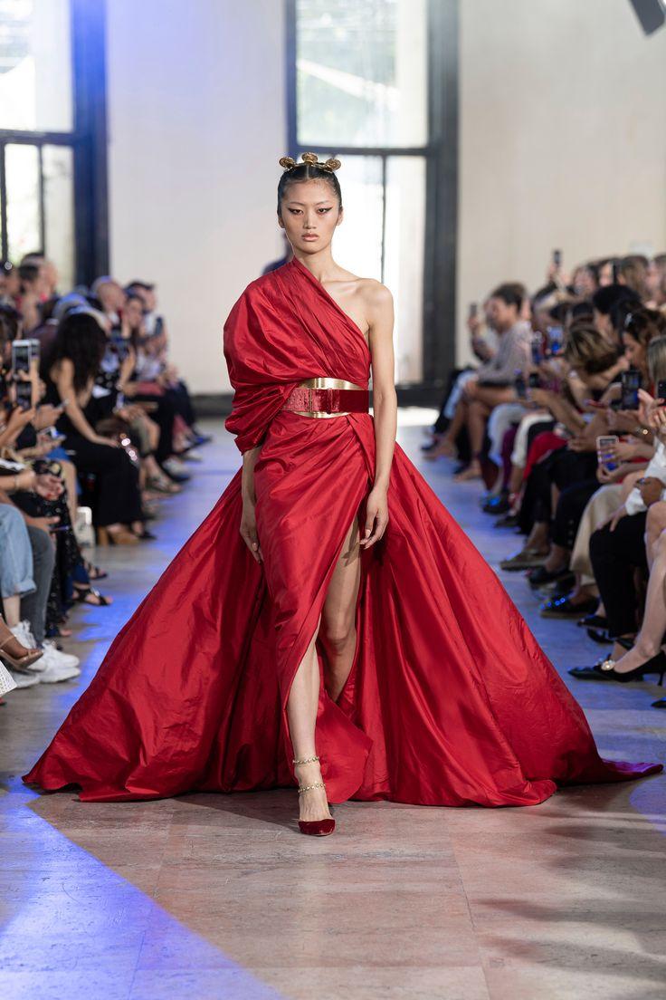 df0305546f1915a30b9a500b06eb0d4d Elie Saab - Haute Couture  : ELIE SAAB Haute Couture Automne Hiver 2019-20