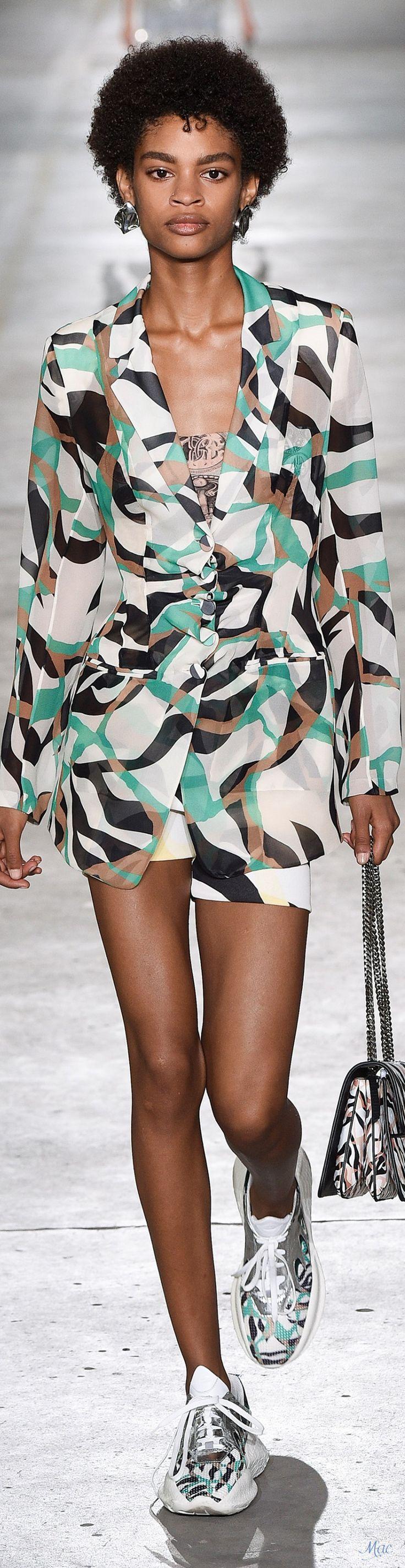 713ca25dff9825919e337b9b71a6a875 Roberto Cavalli Couture  : Printemps 2019 RTW Roberto Cavalli