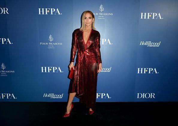 dcb5a7e45692cfacd85b3e99015a96a8 Elie Saab - Collection Tapis Rouge  : Jennifer Lopez dans le prêt-à-porter ELIE SAAB automne-hiver 2019-2020 au ...